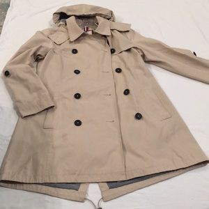 Tommy Hilfiger Women's Khaki Short Trench Coat